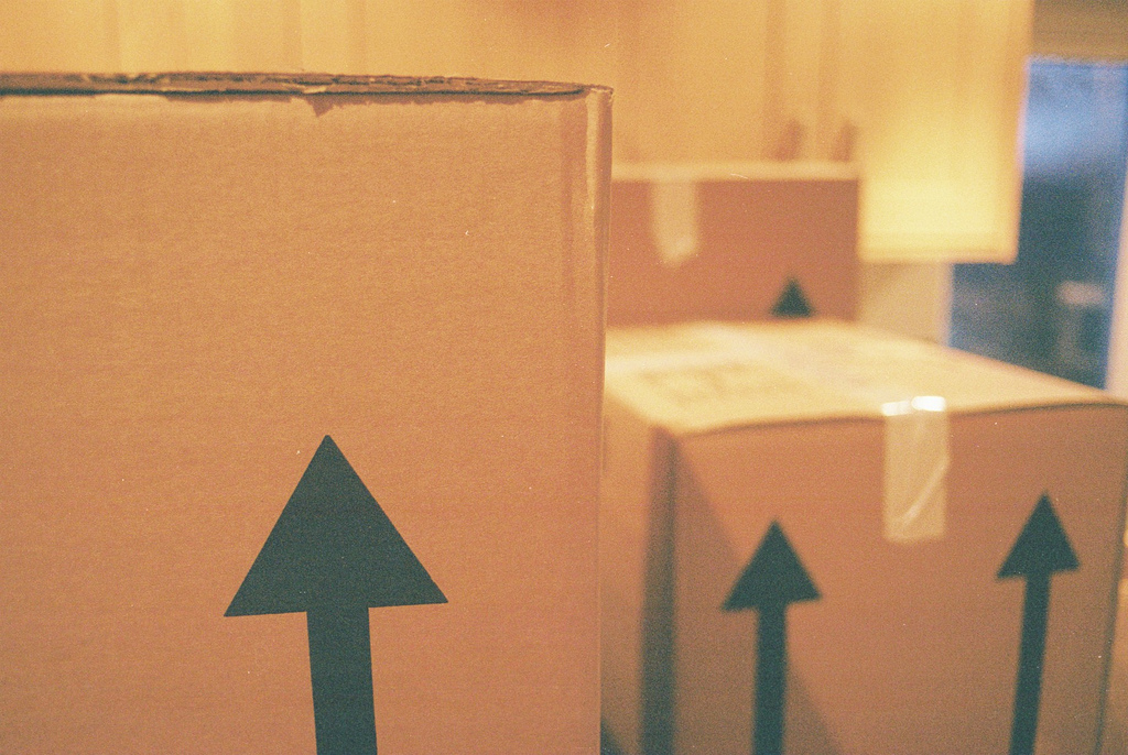 Five Practical Tips To Make Moving House Easier-Chispa Magazine